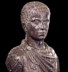 Flavio Claudio Constantino.